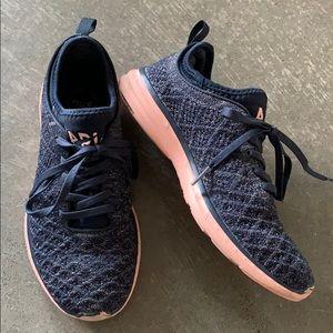 APL Techloom Phantom Running Shoes Navy Pink sz 7
